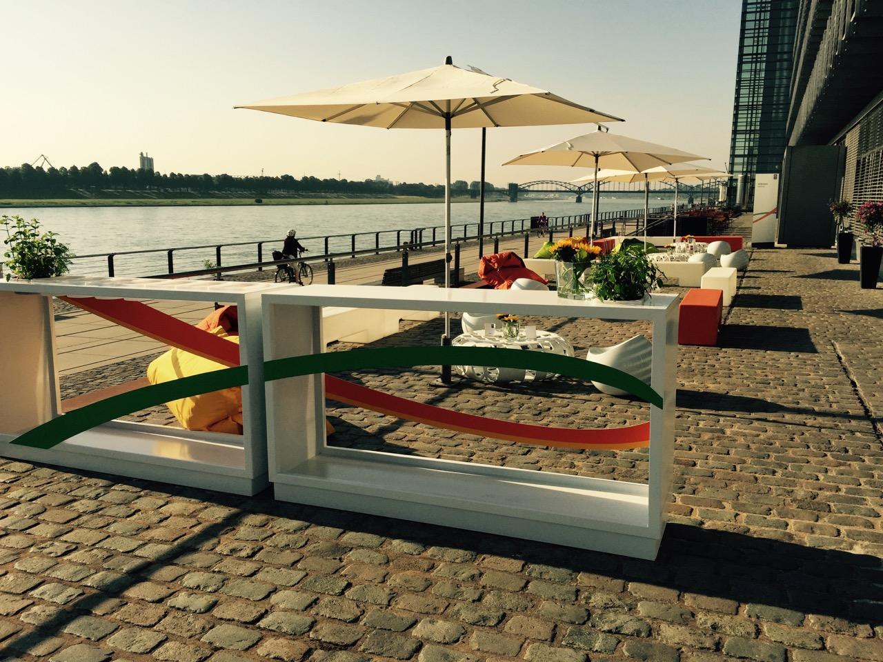 Rheinterrasse, Location in Köln mit traumhaftem Blick auf den Rhein, BBQ und Grillkurse